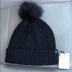 8d6178dcd64 lululemon athletica Accessories - Lululemon Black Beanie Winter Hat